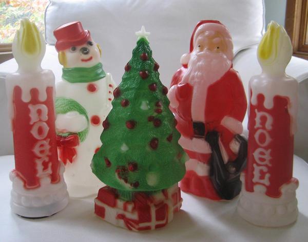 image via sosorosey - Vintage Christmas Blow Molds